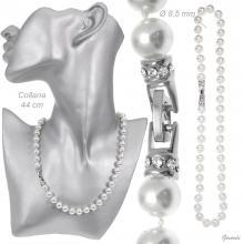 Collana con Perle Bianche e Chiusura con Strass