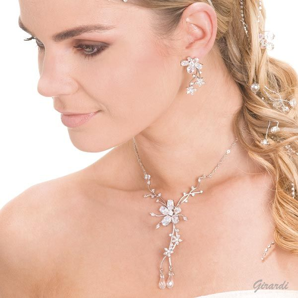 Fashion Jewelery Set For Bride With Zirconia Flowers